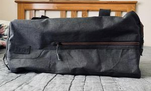 Duffle / Travel Bag - New Condition for Sale in Houston, TX