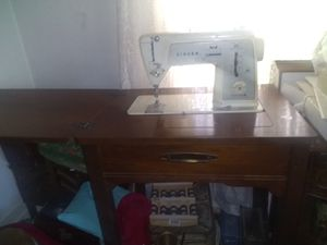 Antique sewing machine table 1940's for Sale in Tacoma, WA