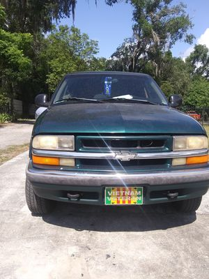 1998 Chevy Blazer 4x4 Handicapped Vehicle with Scooter & Lift for Sale in Apopka, FL