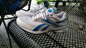 Ladies Reebok easytone excerise shoes size 10 med, wore very little. Very good condition for Sale in Murfreesboro, TN