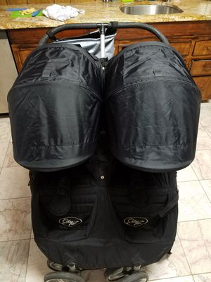 Citi mini double stroller black for Sale in Weehawken, NJ