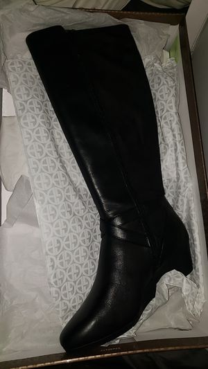 Giani Bernini women shoes boots for Sale in Miami Gardens, FL