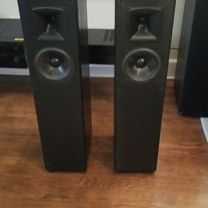 KLIPSCH Tower Speakers And Center Speaker for Sale in Hampton, VA
