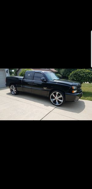 Chevy Silverado ss for Sale in Columbus, OH