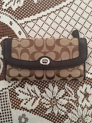 Coach checkbook wallet for Sale in Los Angeles, CA