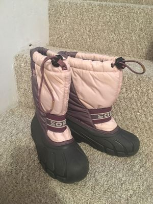 Snow boots, Kamik, big kids size 2 for Sale in San Diego, CA