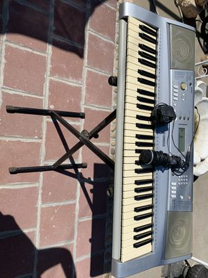 Yamaha keyboard for Sale in Fresno, CA