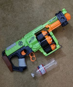 Like new nerf gun size big without pullet for Sale in Garden Grove, CA