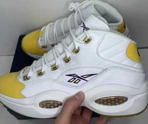 Reebok Question Mid Yellow Toe Sz 10.5 Ds for Sale in Poway,  CA