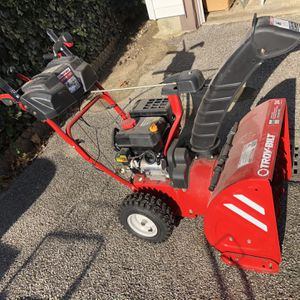 Snow Blower Troy Built 24 Inches for Sale in White Plains, NY