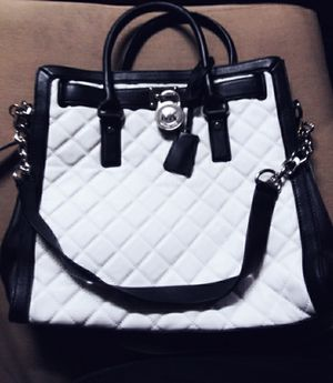 Michael Kors Black & White Quilted Tote Bag for Sale in Brentwood, CA