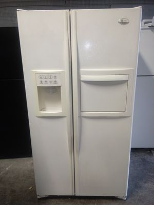 Nice G.E. fridge, delivery available!!! for Sale in Norfolk, VA