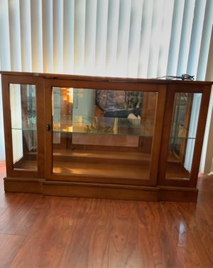 Curio cabinet for Sale in Lansdale, PA