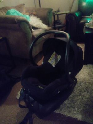 Maxi cosi micro 30 Baby car seat for Sale in Wood Village, OR