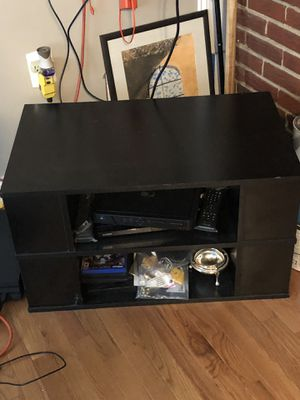 TV Stand can hold a TV of 40 Inch. for Sale in Silver Spring, MD