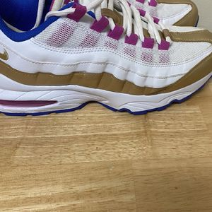 Nike Air Max Size 7y for Sale in Swansea, SC