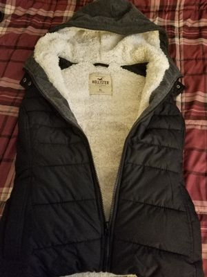Vest Hollister XL fur lined new for Sale in Barnhart, MO