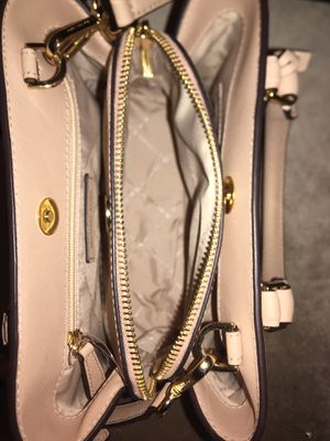 Michael Kors purse, purchased for $145, asking for $120. for Sale in Fontana, CA