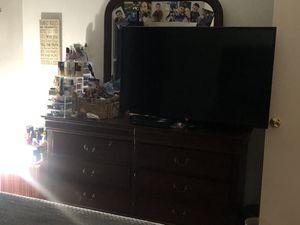 Dresser for Sale in Arden-Arcade, CA