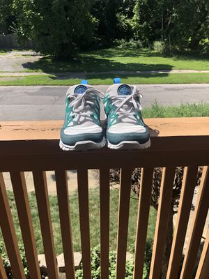 Nike huarache shoe size 9 for Sale in Cleveland, OH