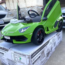 BRAND NEW Lamborghini Aventador SVJ 12volt Remote Control Model Electric Kid Ride On Car Power Wheels for Sale in Long Beach,  CA