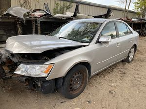 Only for parts 2009 Hyundai Sonata at 2.4 gls for Sale in Orlando, FL