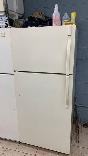 Kenmore refrigerator for Sale in Inkster, MI