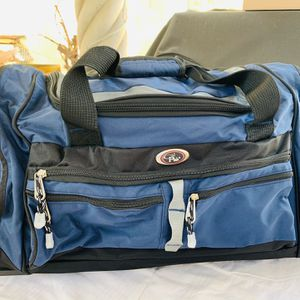 Travel Duffle Bag With Wheels And Handle Like New for Sale in Hacienda Heights, CA