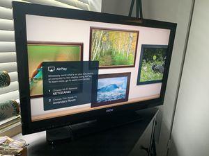"Vizio 30"" TV for Sale in Biscayne Park, FL"
