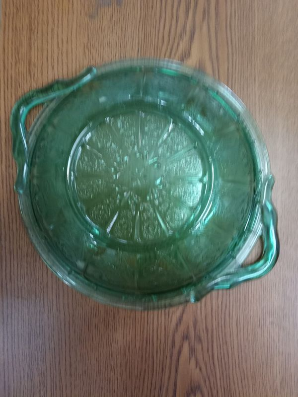 Green colored fine Crystal serving dish