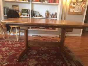 Dining room table, scratch free in good condition for Sale in Portland, OR