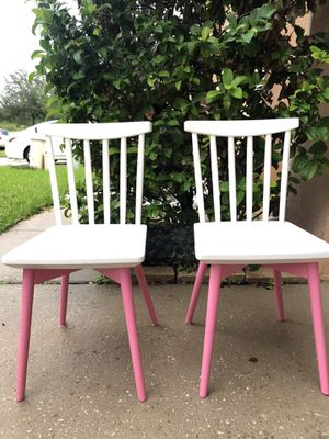 Kids spindle chair set for Sale in Orlando, FL