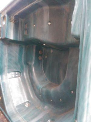 Free hot tub for Sale in Wyandotte, MI