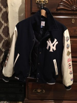 Kids Yankees jacket size large for Sale in Bronx, NY