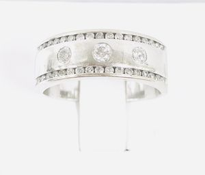 14K Solid White Gold Unisex Ring with real Diamonds weighted 8.7g - Size 11 for Sale in Miami, FL