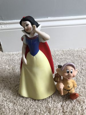 Snow White and Dopey Figurine for Sale in Hainesport, NJ
