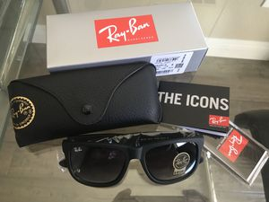Ray Ban Justin rubberized frame sunglasses classic gradient lenses for Sale in Las Vegas, NV
