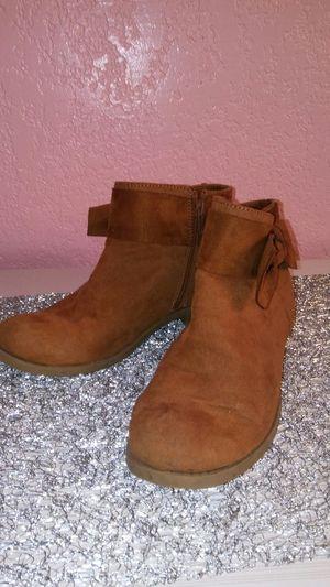 Zoe & Zac girls Ankle Boots size 4 for Sale in Harlingen, TX