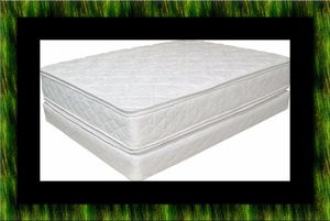 King double pillowtop mattress with split box spring for Sale in Manassas, VA