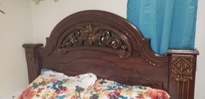 Bed frame. Size QUEEN for Sale in Revere, MA