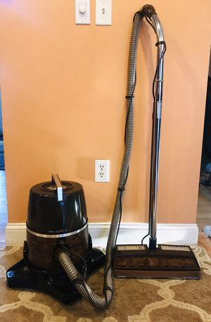 Rainbow Canister Vacuum Cleaner for Sale in Raymond, NH