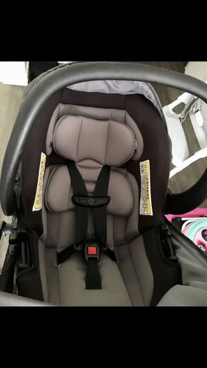 First safety stroller with car seat. for Sale in Houston, TX