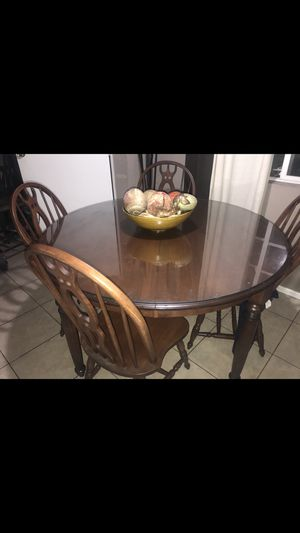 Beautiful Antique wooden table & 6 chairs $100 for Sale in Garden Grove, CA