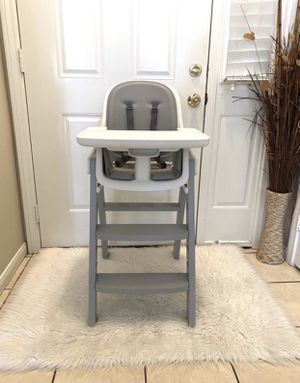 OXO TOT HIGH CHAIR for Sale in Riverside, CA