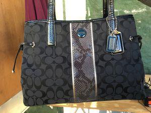 Coach bag for Sale in Anaheim, CA