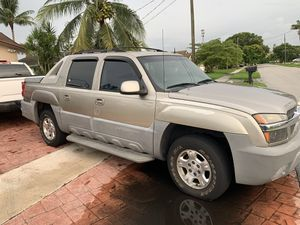Chevy avalanche 2002 for Sale in Tamarac, FL