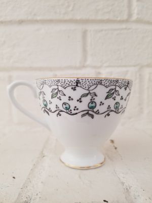 English Castle Bone China tea cup Blueberry print and gold leaf gilt. for Sale in DeSoto, TX