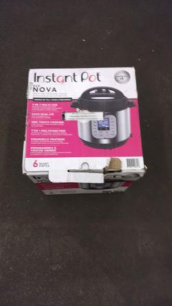 instant pot duo nova, 6 quarts for Sale in City of Industry,  CA