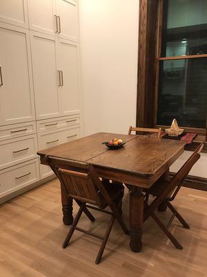 Antique oak table for Sale in Chicago, IL