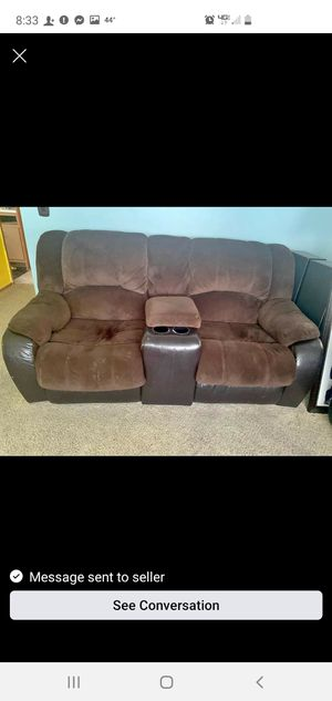 Brown reclining couch and love seat set for Sale in Warren, MI